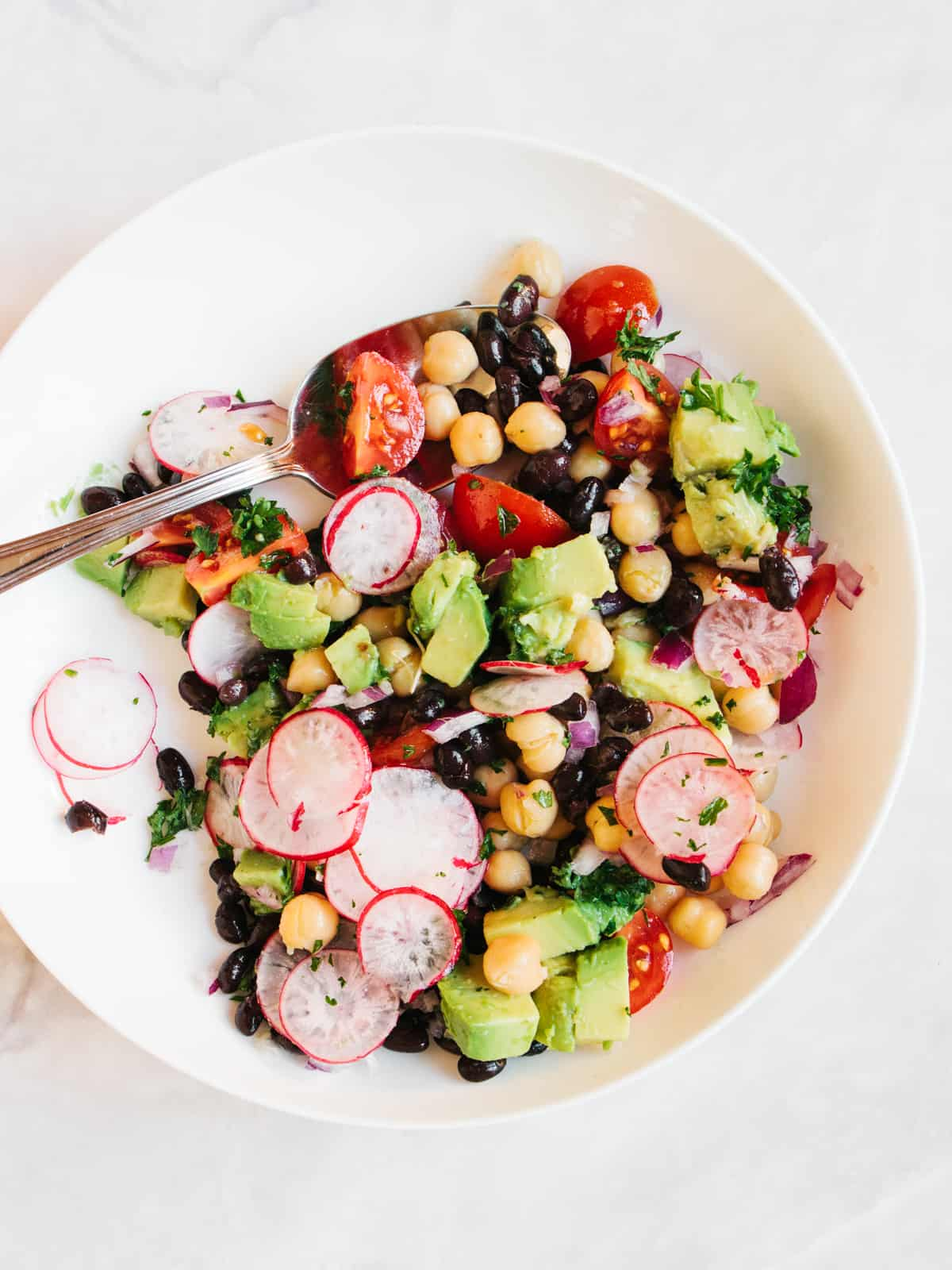 Ankštinių daržovių salotos