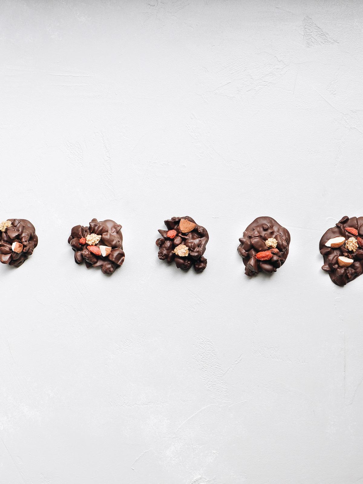 juodojo-šokolado-lašeliai